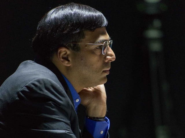 Viswanathan Anand Draws Italys Fabiano Caruana in London Classic