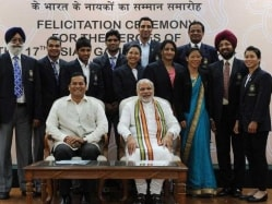 Narendra Modi's Charm Bowls Over Indian Asian Games 2014 Medallists