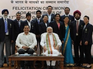 Narendra Modi's Charm Bowls Over Indian Asian Games 2014 Medallists