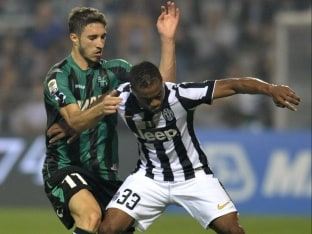 Juventus F.C. Fullback Patrice Evra Out for a Month With Thigh Injury
