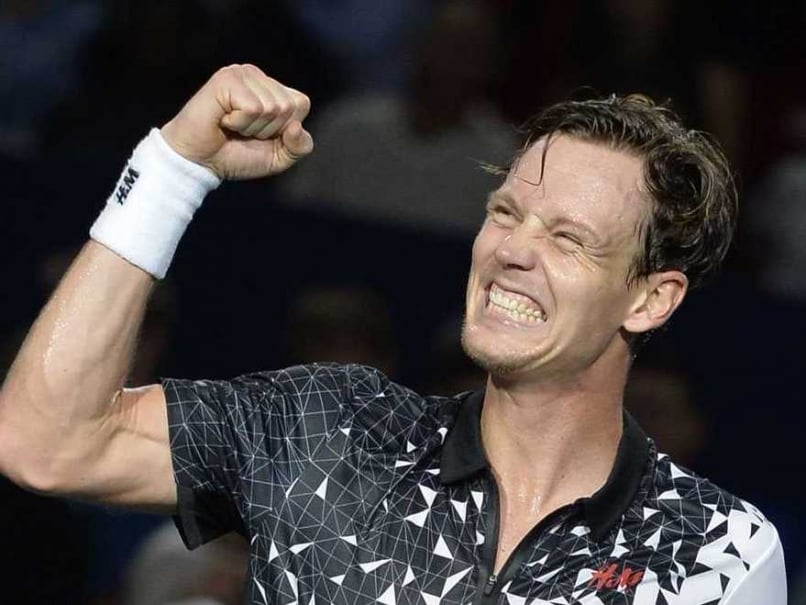 Tomas Berdych Reaches Quarterfinals at Paris Masters