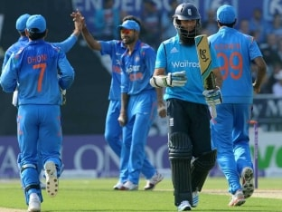Mahendra Singh Dhoni & Co. Look to Continue Winning Form in One-Off T20 vs England