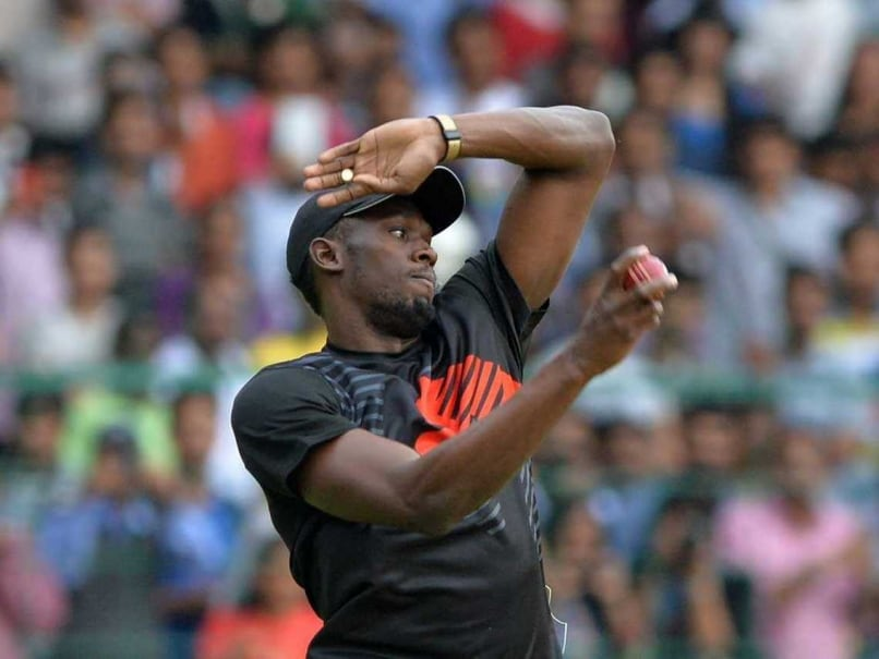 Usain Bolt's Bowling Floors Harbhajan Singh