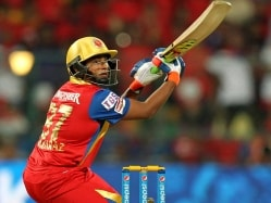 IPL 2016: Sarfaraz Khan Advised to Play as Per Match Situation by Captain Virat Kohli