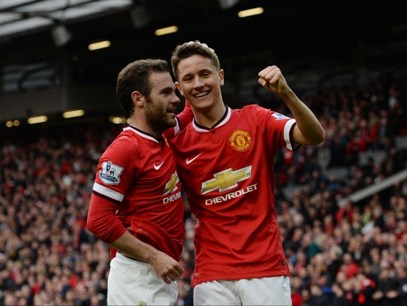 Ander Herrera, Wayne Rooney Sink Aston Villa, Lift Manchester United F.C. to Third Place