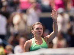 Simona Halep Beats Sara Errani to Reach Rogers Cup