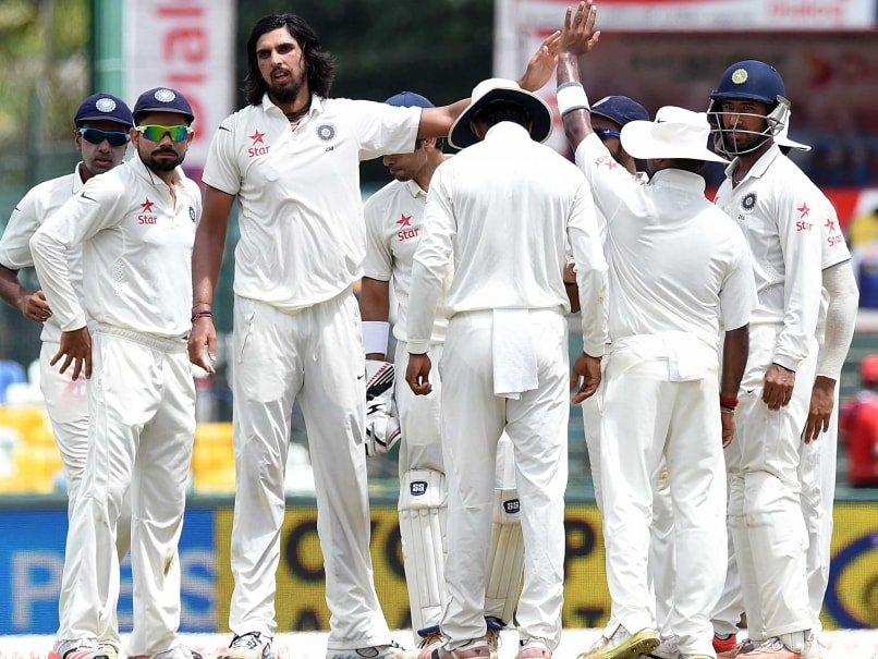 Ishant, Umesh strike regularly