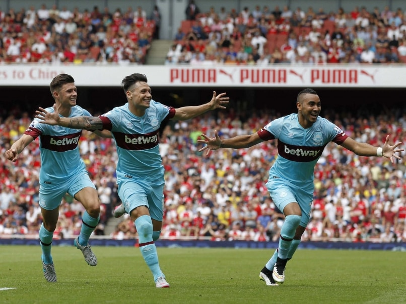 Petr Cech Fluffs Lines as West Ham Stun Arsenal at Emirates