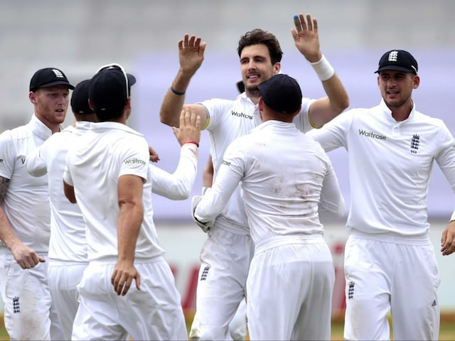 Steven Finn Strikes as England Push for Win Against South Africa