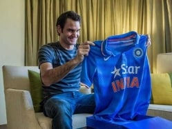 ICC 2015 World Cup: Roger Federer 'Bleeds Blue' for India