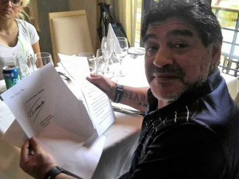 Diego Maradona Says he Has Letter to Prove Fidel Castro is Alive