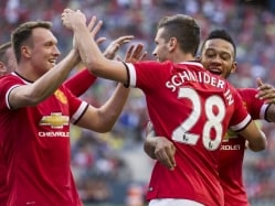 Morgan Schneiderlin Scores as Manchester United Launch Tour With Win
