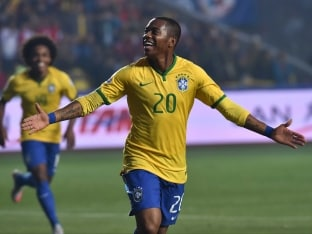 Robinho Closer to Guangzhou Move After Leaving Santos