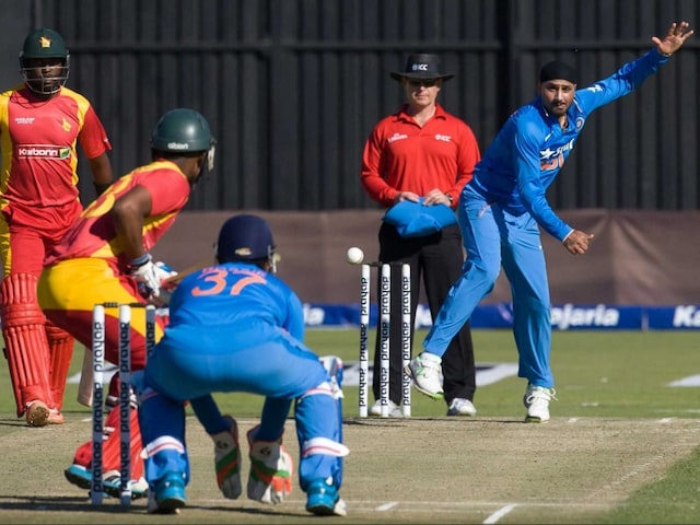1st T20I: Axar Patel, Harbhajan Singh Spin Out Zimbabwe as India Take 1-0 Lead