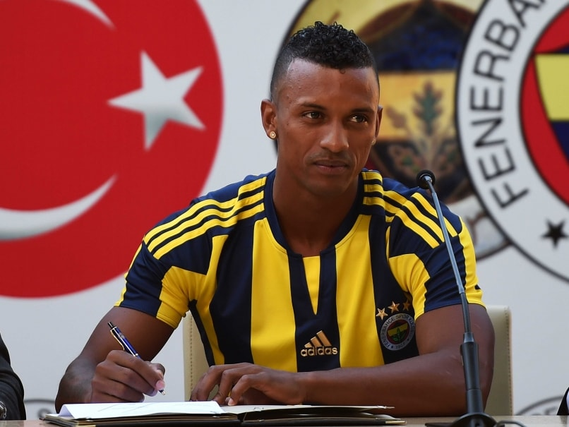 Nani Joins Fenerbahce From Manchester United