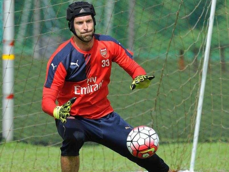 Petr Cech Strengthens Arsenals Defence, Claims Per Mertesacker