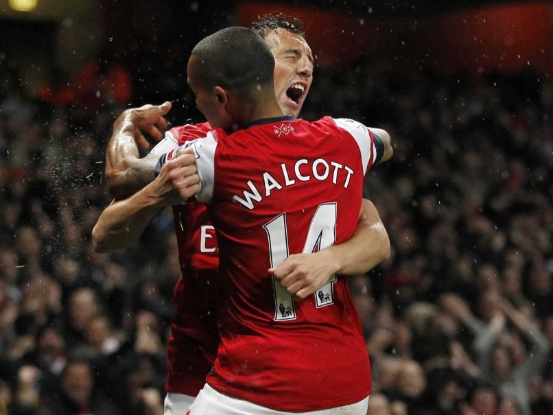 Theo Walcott, Santi Cazorla Extend Arsenal Contracts