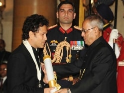 Sachin Tendulkar to Lose his Bharat Ratna? Madhya Pradesh High Court Admits Plea For Misuse of Honour