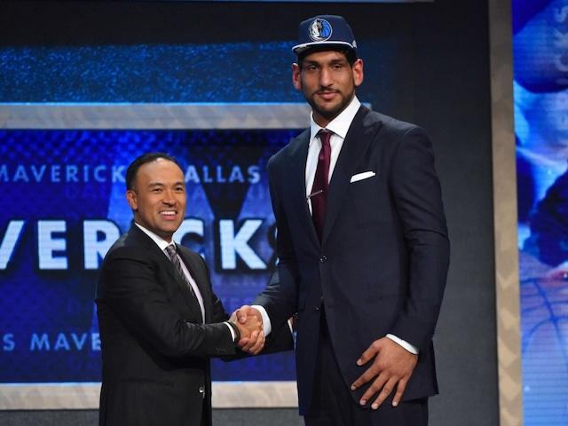 Satnam Singh Scores in Dallas Mavericks Second Straight Loss