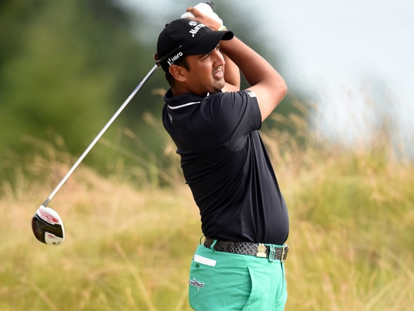 Shiv Kapur Lies 8th at Abu Dhabi Golf