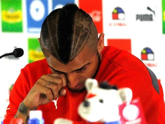 Chile Football Star Vidal Sobs After Crashing His Ferrari