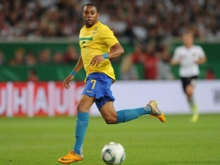 Brazil Recall Robinho for France, Chile Friendlies