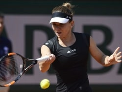 French Open: Simona Halep Enters Second Round, Roger Federer Begins 62nd Successive Major