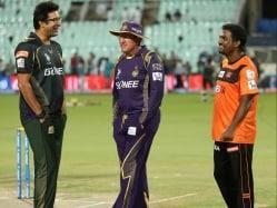 Wasim Akram, Dilip Vengsarkar Bat for Home-grown Coach for Team India