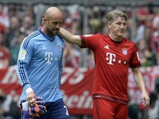 Bayern Munich's No. 2 Goalkeeper Pepe Reina Suspended for Two Matches
