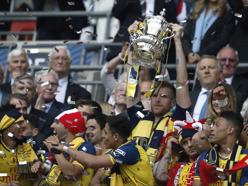 Arsenal Demolish Aston Villa 4-0 to Create FA Cup History
