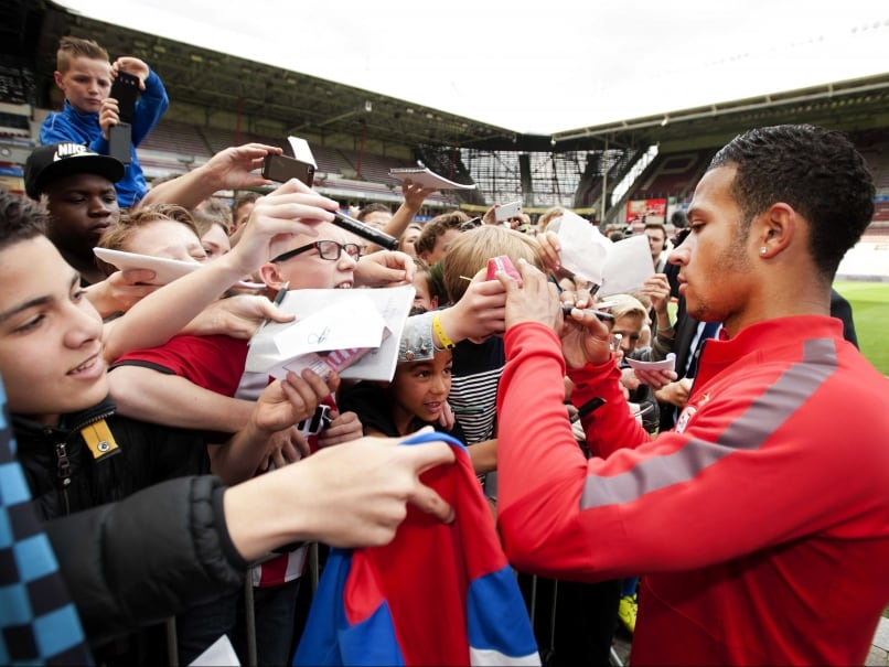 Louis Van Gaal Convinced me to Join Manchester United, says Memphis Depay