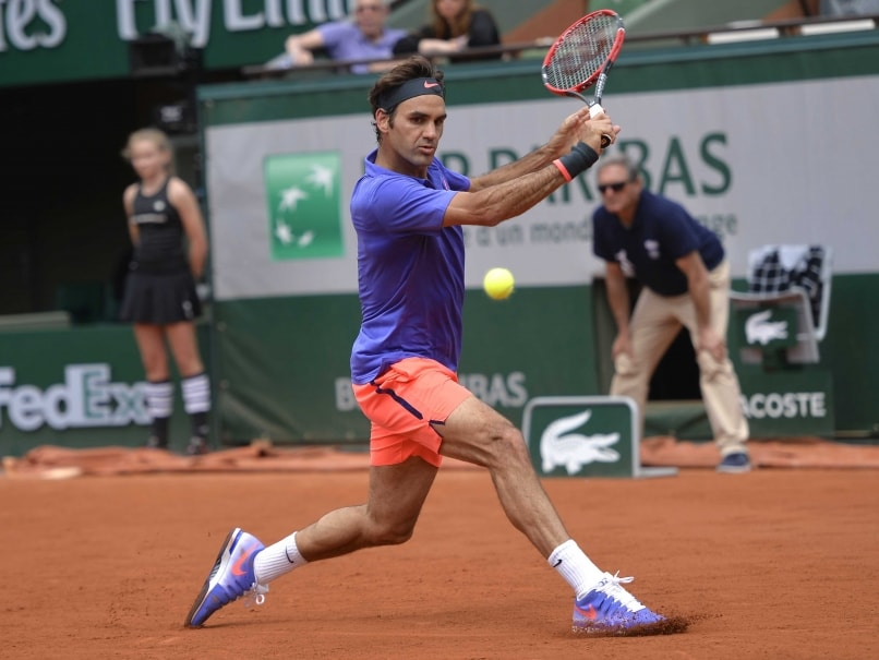 French Open: Roger Federer Eases Into Second Round