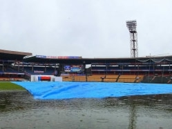 India vs South Africa Bangalore Test Day 3 Highlights: Heavy Rain Forces Play to Be Called Off Early