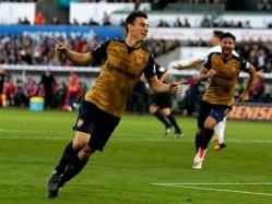 Olivier Giroud, Laurent Koscielny Shine as Arsenal F.C. Hammer Swansea City
