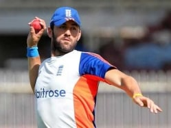 England Call up Liam Plunkett For Injured Mark Wood