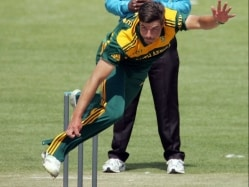Marchant De Lange Added to Bolster South Africa's Bowling Reserves vs India