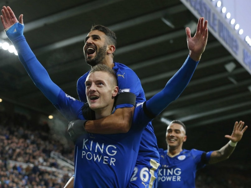 Jamie Vardy Ties Scoring Record as Leicester City Top EPL Table