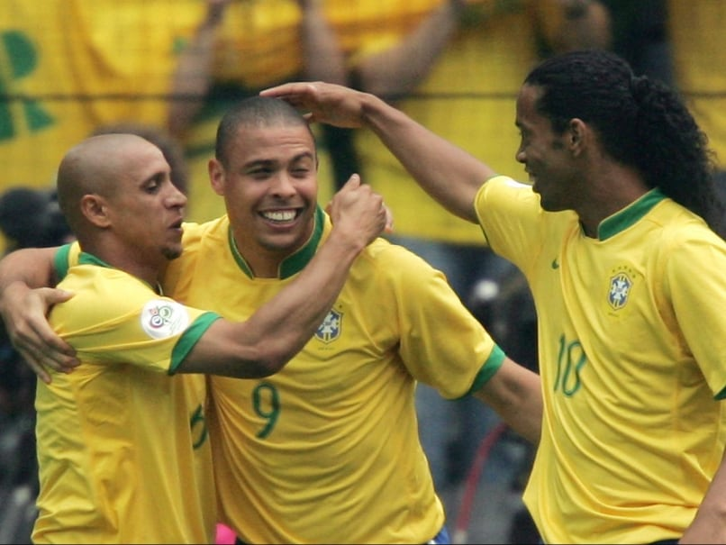Roberto Carlos Invites Ronaldo for Delhi Dynamos Game