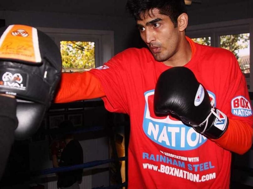 Vijender Singh Humbled by Amir Khan