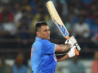 Mahendra Singh Dhoni Fails on Comeback for Jharkhand in Vijay Hazare Trophy, Yuvraj Singh Sparkles for Punjab