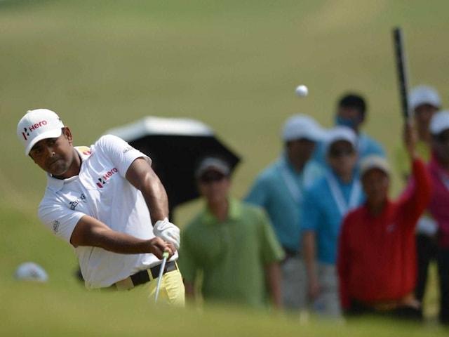 Scott Hend Holds Off Anirban Lahiri to Win Macao Open Title