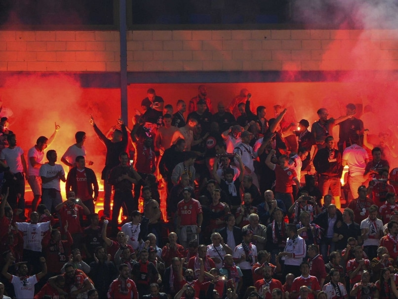 UEFA Champions League: Benfica Apologise For Flares in Stands During Atletico Match