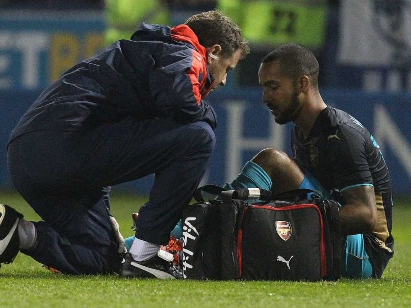Theo Walcott, Alex Oxlade-Chamberlain Out for More Than 3 Weeks