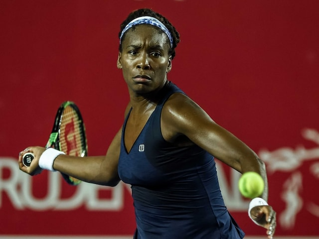 Venus Williams Crushes Roberta Vinci to Reach Elite Trophy Final
