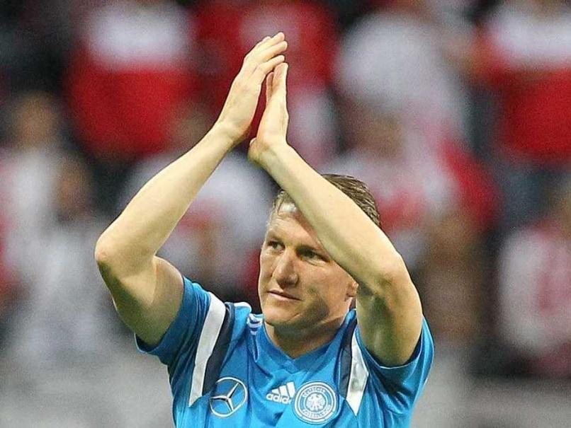 Bastian Schweinsteiger Greets Alex Ferguson in Scotland