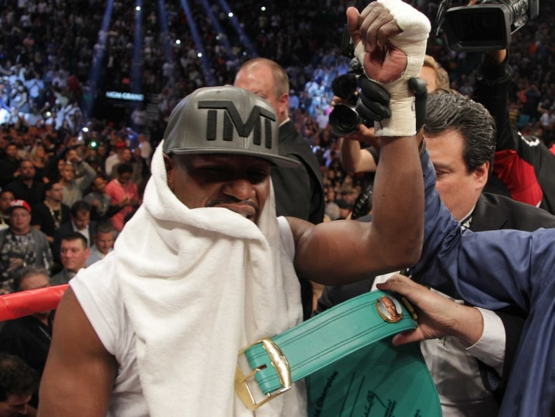 Floyd Mayweather Jr Beats Andre Berto and Says