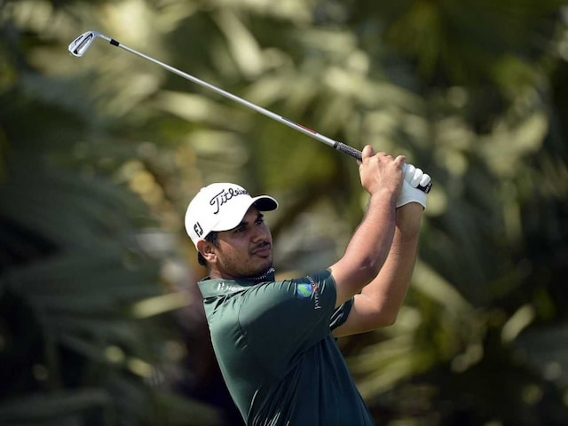 Gaganjeet Bhullar Shoots 67 to be Tied Second at Philippine Open