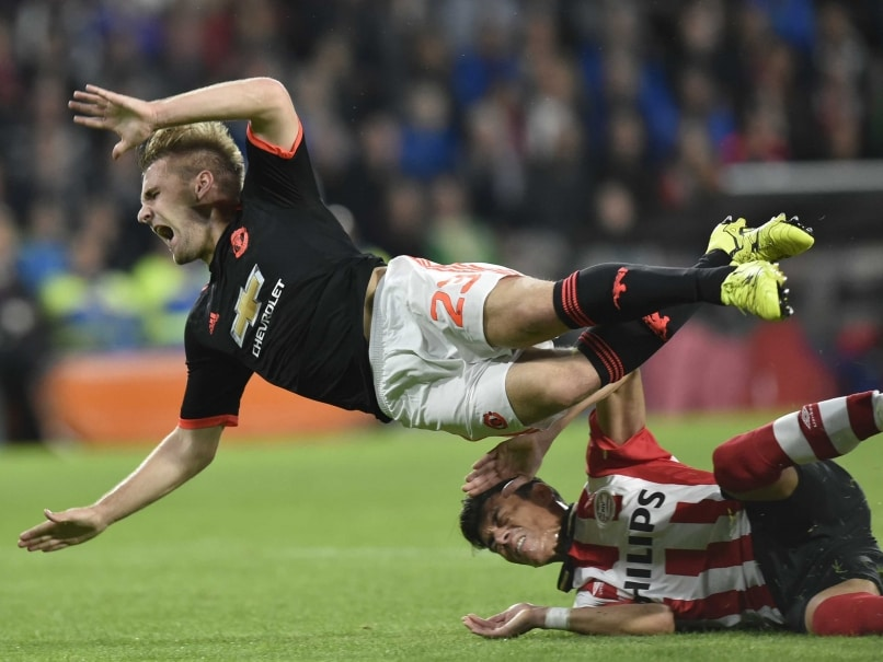 Luke Shaw Out For Six Months, Says Manchester United F.C. Manager Louis Van Gaal