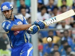 IPL 2016: Mumbai Indians Suffer Lendl Simmons Blow, Martin Guptill Comes as Replacement
