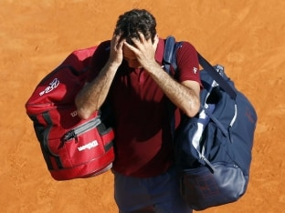 Roger Federer Knocked Out by Jo-Wilfried Tsonga in Monte Carlo